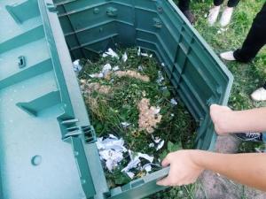 Киевский школьник рассказал измаильским сверстникам, как из пищевых отходов компост готовить