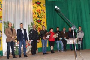 Настоятеля храма в Муравлёвке наградили как отца самой маленькой жительницы села