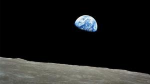 США начнут осваивать Луну: Трамп уже подписал распоряжение