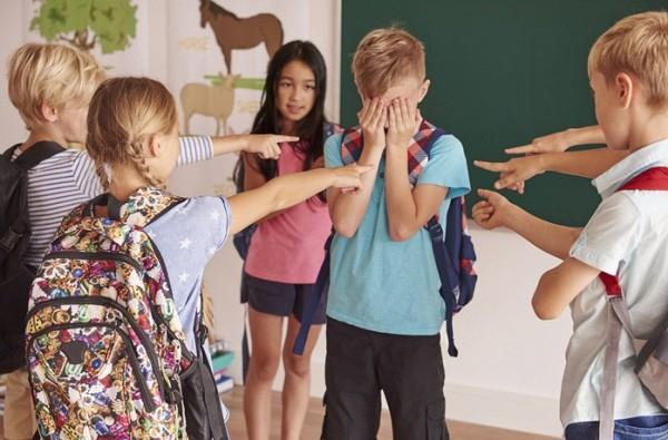 Буллинг в школе - без оружия, но опасен