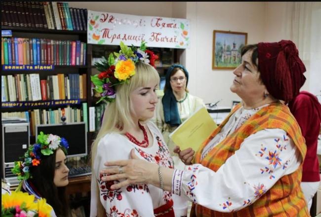 Українські вишиванки - наче райдуги світанки