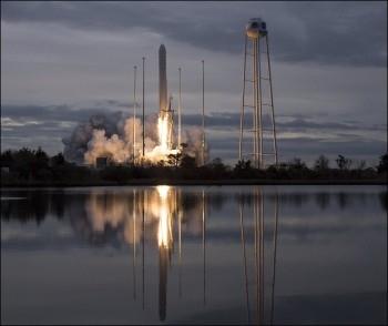 В США успешно запустили ракету-носитель Antares, частично изготовленную в Украине