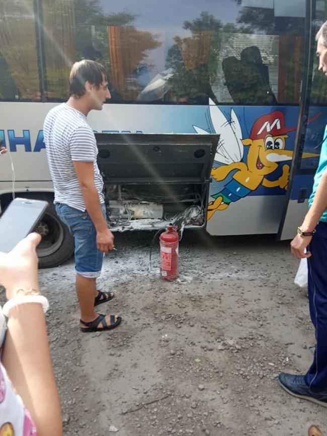 """Рейсовый автобус """"Измаил-Одесса"""" загорелся по пути в Одессу"""