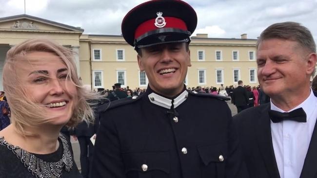 Украинский курсант стал лучшим зарубежным выпускником военной академии в Британии