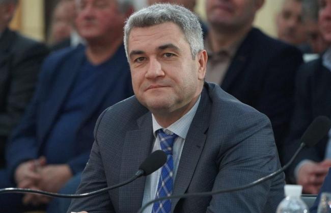 Глава Одесского облсовета передумал увольняться после драки на заседании