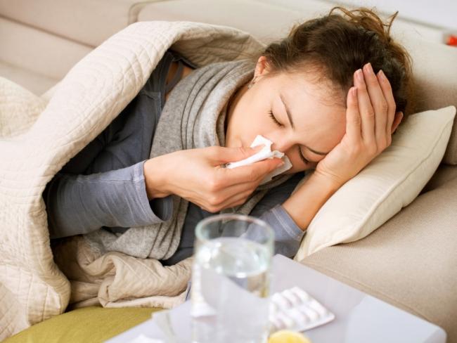 Вирус гриппа остается на руках и предметах до 20 минут