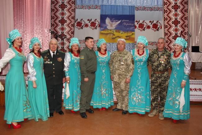 Торжество с концертом для военных в Областном центре национальных культур
