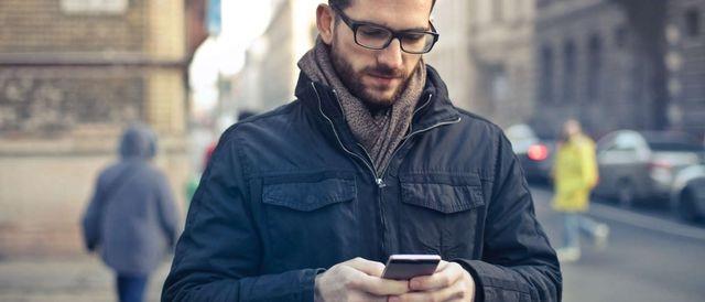 Смартфоны признаны одной из самых распространенных причин травм