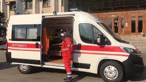 """В Одесской области больницам передали машины """"скорой"""" с аппаратами ИВЛ"""