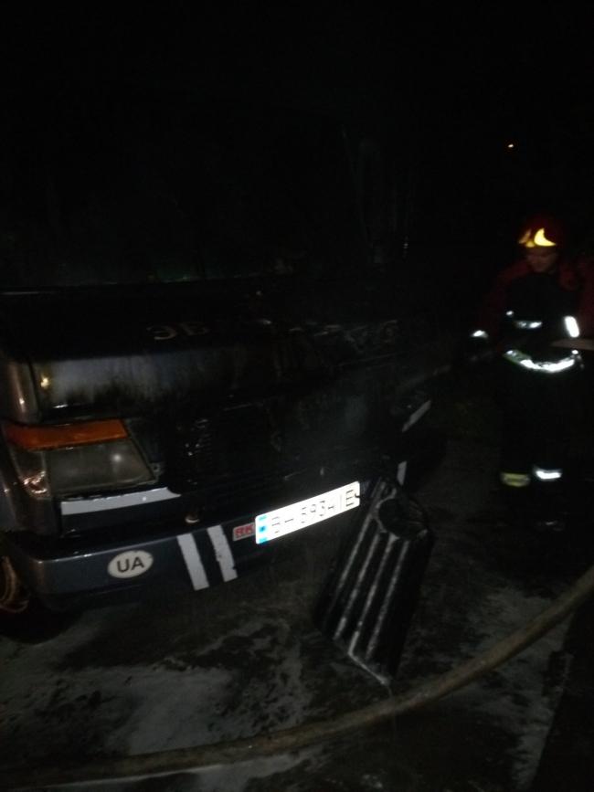 Ночью в Броске горел автомобиль