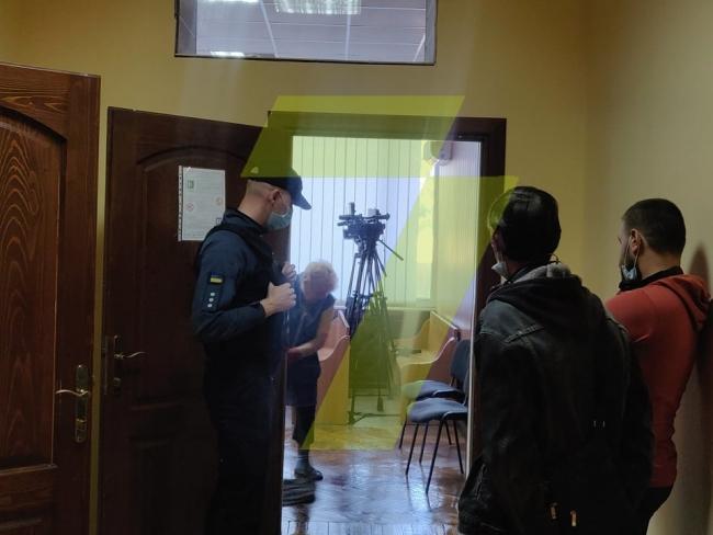 Массовый протест: в Одессе во время судебного заседания семеро заключенных перерезали себе вены