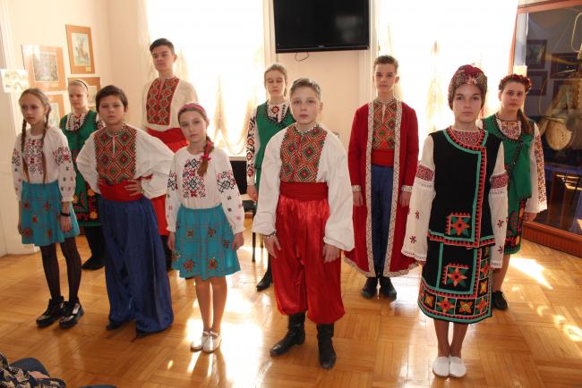 Готовимся ко дню рождения Великого Кобзаря - в музее Суворова прошёл бинарный урок истории