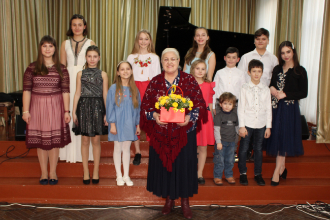 Мамочкам любимым посвящается: концерт вокалистов класса Тамары Годованец