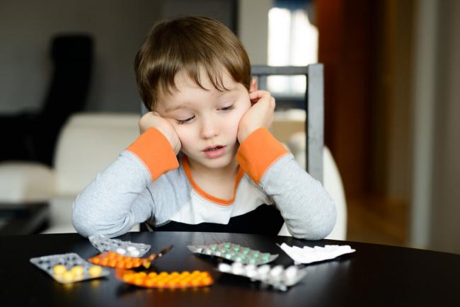 Рада хочет запретить продажу лекарств детям до 14 лет
