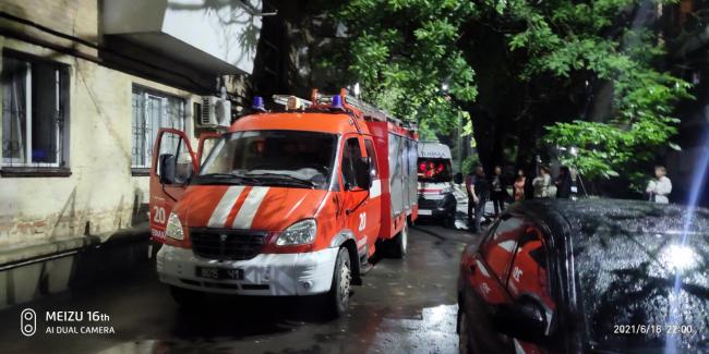 Ночью в Измаиле в многоэтажке загорелась электрощитовая - эвакуировали 50 человек