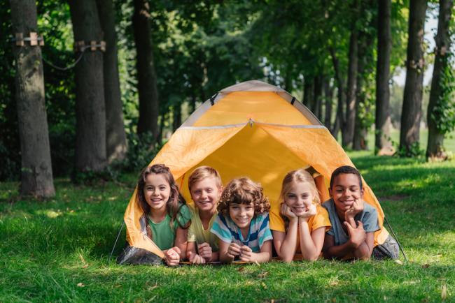 Минзрав изменил правила в детских лагерях