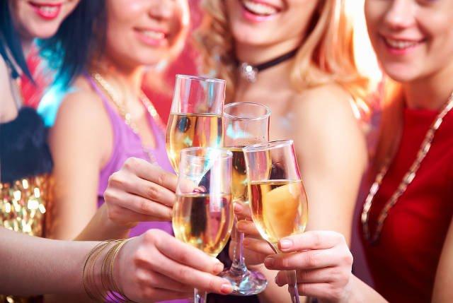 ВОЗ обвинили в сексизме после заявления, что женщинам необходимо отказаться от алкоголя