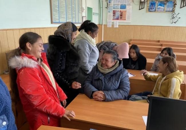 В Татарбунарах начали работу компьютерные курсы для ромских женщин