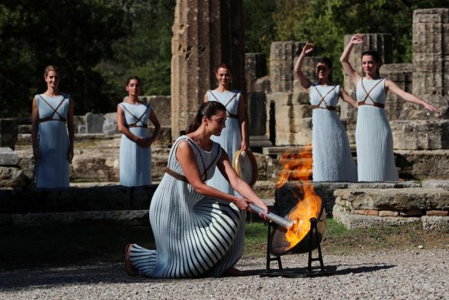 В древней Олимпии прошла церемония зажжения олимпийского огня