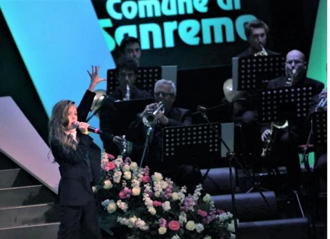 Жюри песенного конкурса в Сан-Ремо признало победительницей девочку из Одесской области