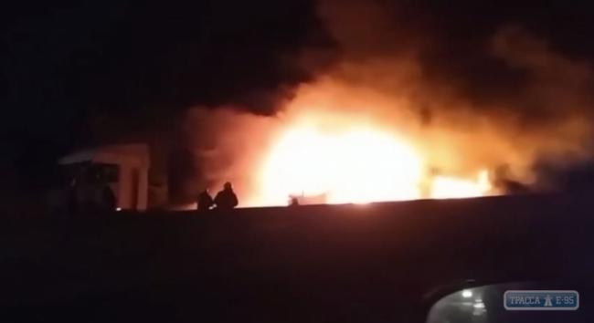 Фуры сгорели под Одессой, водитель погиб