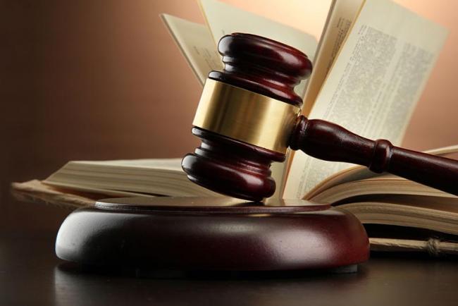 Одесский суд приговорил двух воров к чтению книг Марка Твена и Джека Лондона